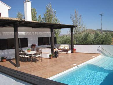 Casa rural entreolivos galer a de im genes casa rural for Casas con porche y piscina
