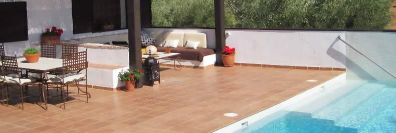 Casa rural con pista de padel y piscina casa rural for Piscina la granada